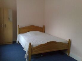 BIG DOUBLE ROOM***SAFE LOCATION***CENTRAL***CLEAN QUIET HOUSE