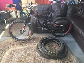 2015 Commencal Supreme DH V3 Downhill Bike