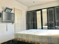 Double bedroom with ensuite to rent