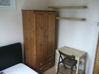 Lovely Room Available Now ..FANTASTIC LOCATION!!! - 7 mins walk to Aldgate East Station