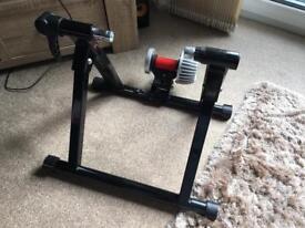 Excellent condition Bikemate Turbo Trainer