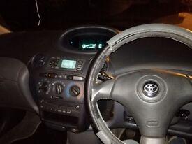 Toyota Yaris 1.0