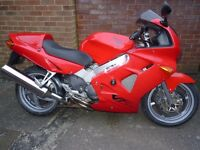 VFR800FI 2000 , Red, Excellent condition for year, receipts for over £3000 spent, 3 previous owners