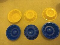 6 Jelly Moulds - yellow and blue