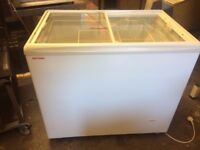 Ice Cream Freezer 2 Baskets ,Excellent Condition,Buyer Can Collect or Can Send With Courier In UK