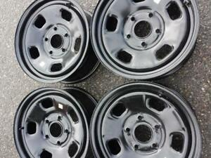 BRAND NEW DODGE RAM 1500  FACTORY OEM 17 INCH STEEL RIM SET OF FOUR.NO TPMS
