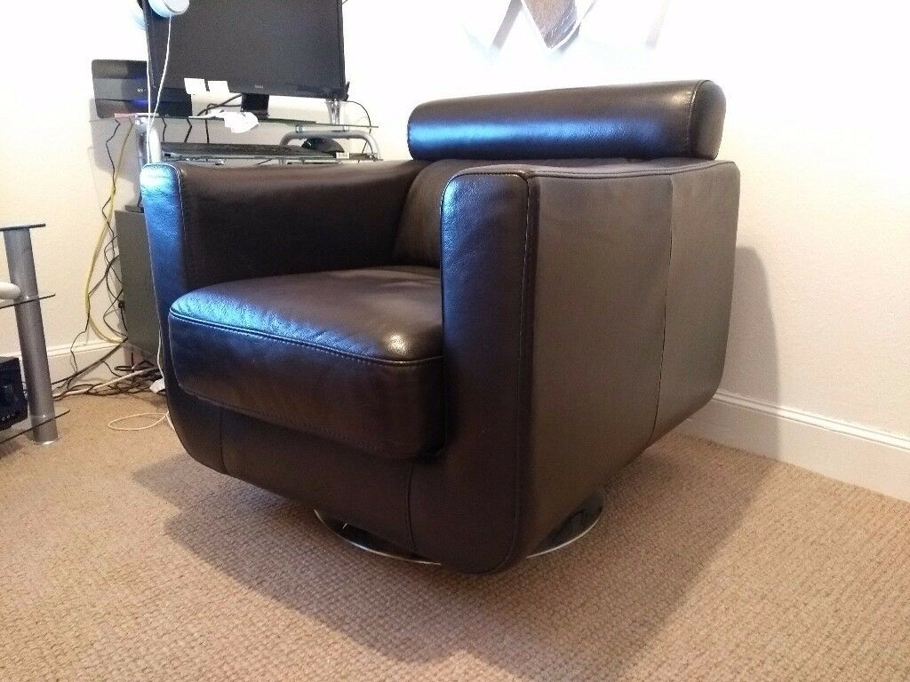 Leather Violino Swivel Armchair