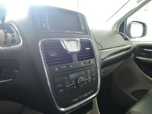 2016 Chrysler Town & Country Touring Leather Stratford Kitchener Area image 5