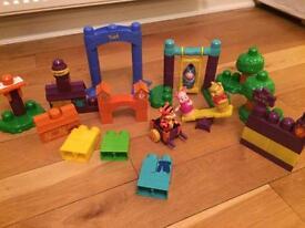 Mega Blocks Winnie the Pooh Park Playset