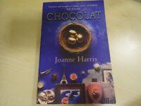 CHOCOLAT PAPERBACK BOOK - JOANNE HARRIS - EXCELLENT CONDITION