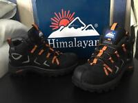 Unisex Safety/Hiking Boots (Size 5)