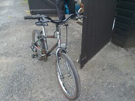 Bicycle Raleigh with gears