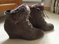 Ladies Clarks Wedge Ankle Boot Size 4