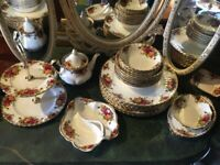 ROYAL ALBERT OLD COUNTRY ROSES JOB LOT 28 PIECES COLLECTION ONLY