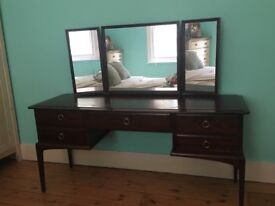 Mahogany Dressing Table With Mirror Drawers