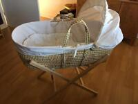 Moses Basket &a Baby bath