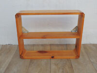 Pine wooden cubed shelf (Delivery)
