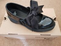 Black Mariel Dr Marten Shoes (Size 6, EU 39) Pre-owned but in great condition.