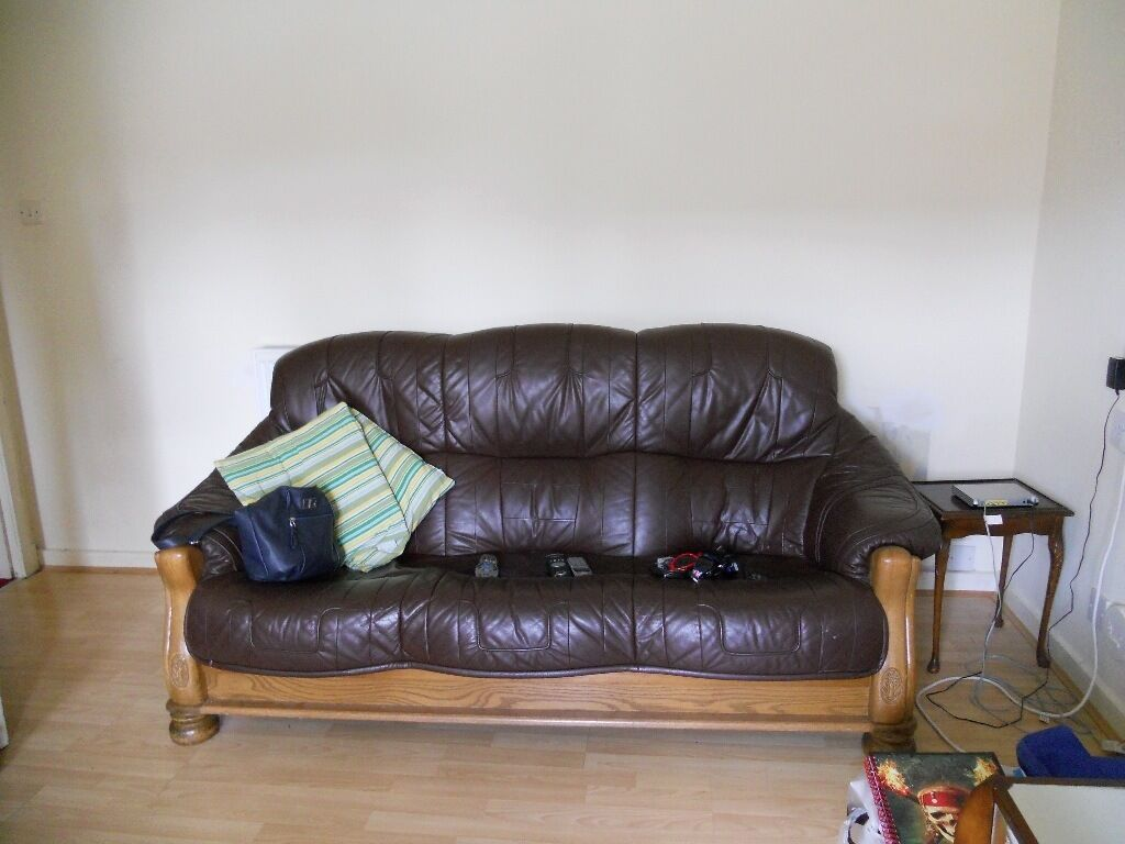 3 seater couch amp 2 chairs FREE TO UPLIFT in Ellon  : 86 from www.gumtree.com size 1024 x 768 jpeg 82kB