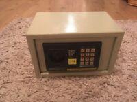 Digital home safe like new £25