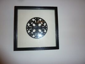 Celtic image on an ivory background in a black frame 30x30cm