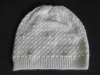GIRLS BRAND NEW IVORY HAT WITH PEARLS - AGE 8-11