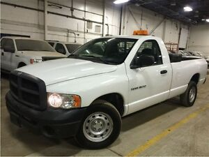 2005 Dodge Ram 1500 V6! 8 FEET BOX! ONE OWNER!