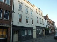 One bedroom flat, Old Town of Hull with parking, HU1 1LF