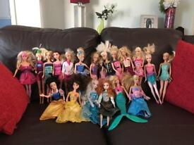 Anna & Elsa Doll set, plus 18 Barbie dolls
