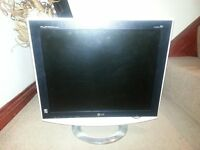 LG computer monitor 19inch. Great condition. Fully working.