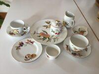 42 items of Royal Worcester Evesham tableware