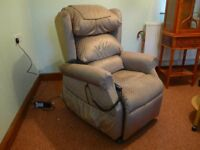 Ambassador Rise and Recline Chair
