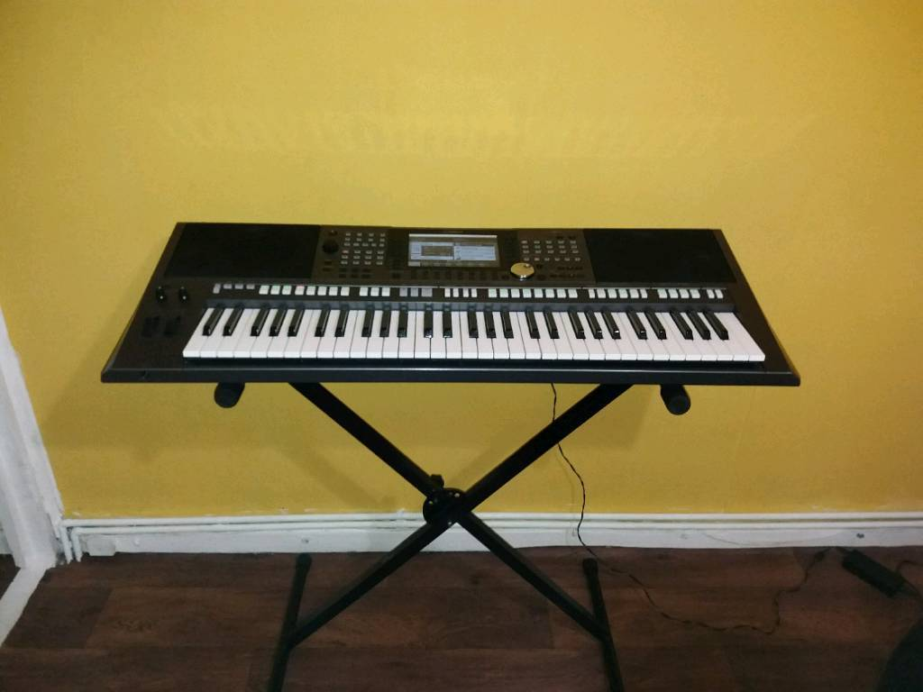 Yamaha Psr S970 Professional Keyboard Workstation In Walsall West