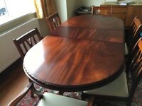 Beautiful Dark oak dining room table and 6 chairs. Excellent condition