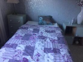 Single fully furnished room in Creekmoor