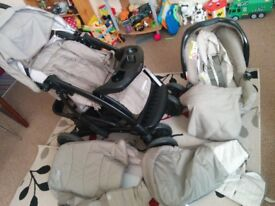 Graco Quattro Tour Deluxe Travel System, Carrycot Brandnew (Excellent condition)...£90