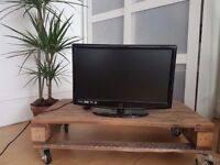 21 inch HD Freeview built in television £45