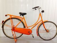 Classic Gazelle Omafiets Beautiful Condition SERVICED full chain guard, Rack, kick stand