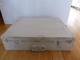 Wooden Vintage Shabby Chic Travel Case/Storage suitcase/ Box Wedding table display