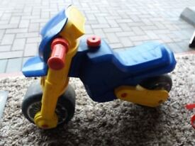 Molto Cross Ultimate Ride On Kids Bike in Blue and Yellow
