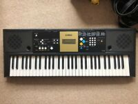 Selling Yamaha Keyboard YPT-220