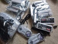 28 x Super Nintendo and NES Style USB Controllers