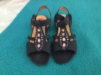 Pavers sandals