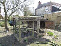 Smiths sectional chicken house & run. Suitable for 18 chickens. Cost £700 accept £100