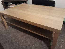 Oak-effect coffee table
