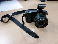 Samsung NX1000 black - boxed, all instructions, very good condition.