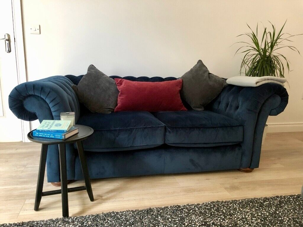 Fabulous Navy Velvet Chesterfield Style 2 Seater Sofa Like New In Dungiven County Londonderry Gumtree Gmtry Best Dining Table And Chair Ideas Images Gmtryco