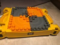 Megablocks Cat construction table