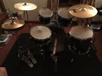 Pearl Forum Carbon Fibre Effect Drum Kit with Meinl MCS Symbal Set and Extras