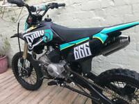 Stomp / thumpstar Detroit 170 pitbike pit bike